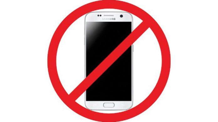 no gadgets in school